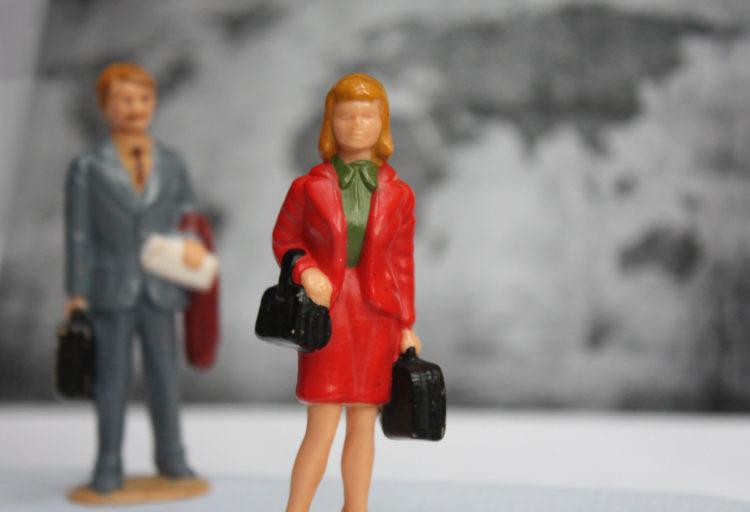 couple getting a divorce internationally
